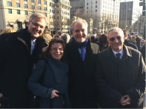 Robert Plenge, Heidi Rehm, David Ledbetter, Robert Nussbaum, waiting to enter White House (Photo: D. Shaywitz)